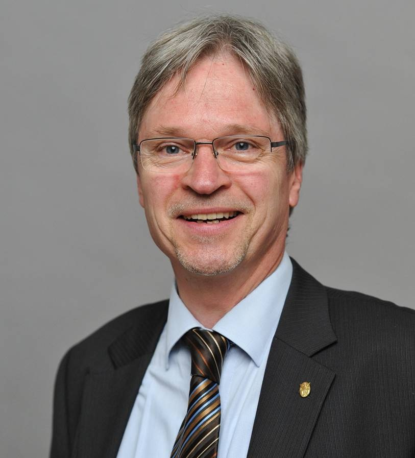 Prof. Dr. Christian Jung     Christian-Albrechts-Universität zu Kiel     Institut für Pflanzenbau und Pflanzenzüchtung     Olshausenstraße 40     24098 Kiel     Amtszeit: 2012 - 2016